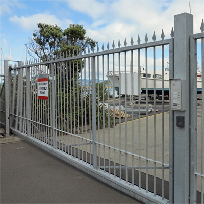 Cantilevered automatic gate