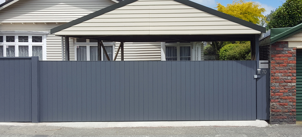Automatic sliding residential gate