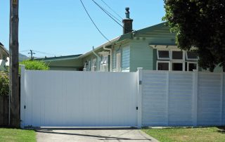 Sliding gate with A-lign Fencing