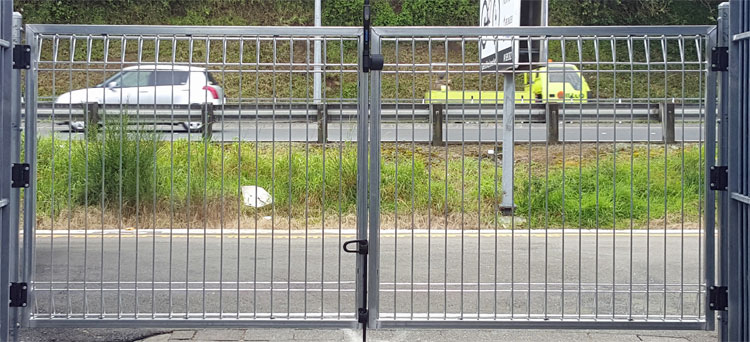 Mainual swing gate pedestrian