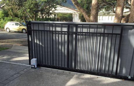 Sliding-gate-open