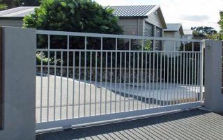 Sliding aluminium gate